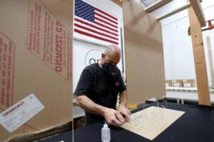 making dividers using acrylic sheets